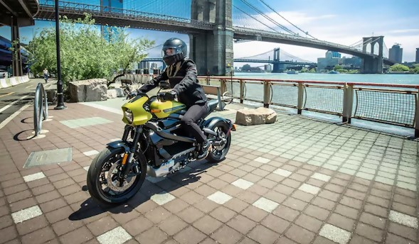 2020 Harley Davidson Livewire Electric Motorcycle Review